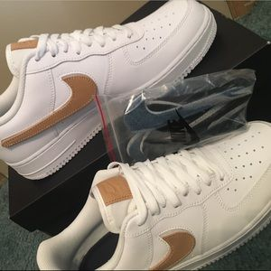 Nike Air Force 1 '07 LV8 3 Removable Swoosh